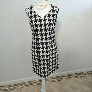 Dresses & Skirts - ALYX black and white dress size 4